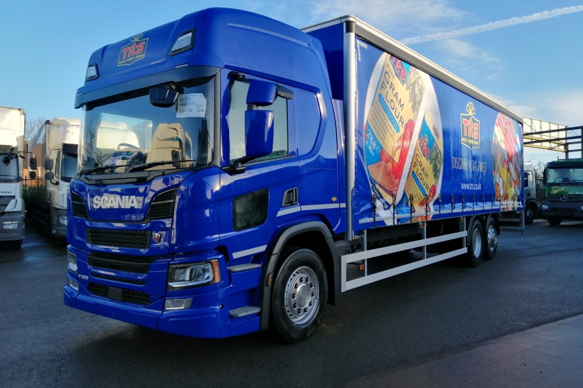 curtain side body, column tail lift, roller shutter, scania