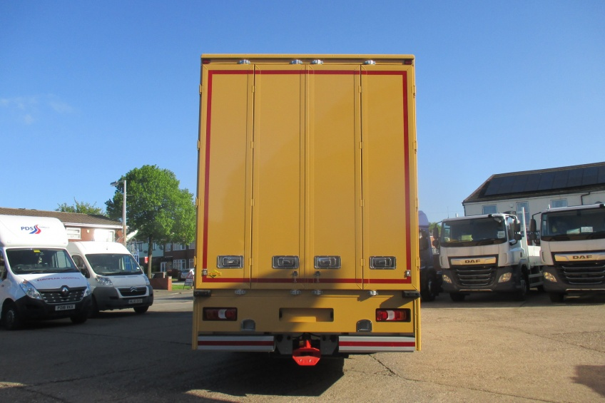 removals, side doors, side skirts, paint, Mercedes Benz, Actros